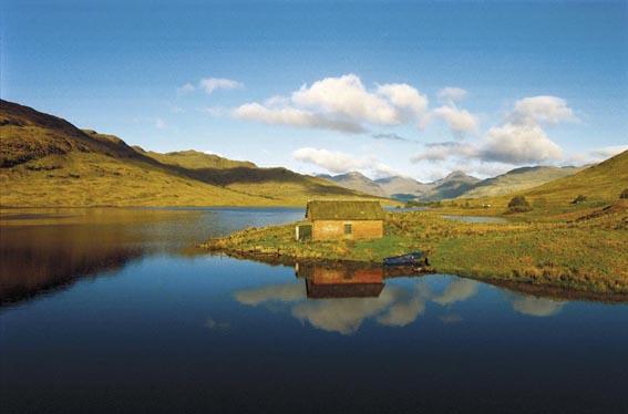 Island Loch Lomond Loch Lomond is a Popular