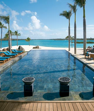 Luxury holiday four seasons resort mauritius at anahita for Garden pool villa four seasons mauritius